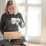 bizneswoman przy laptopie